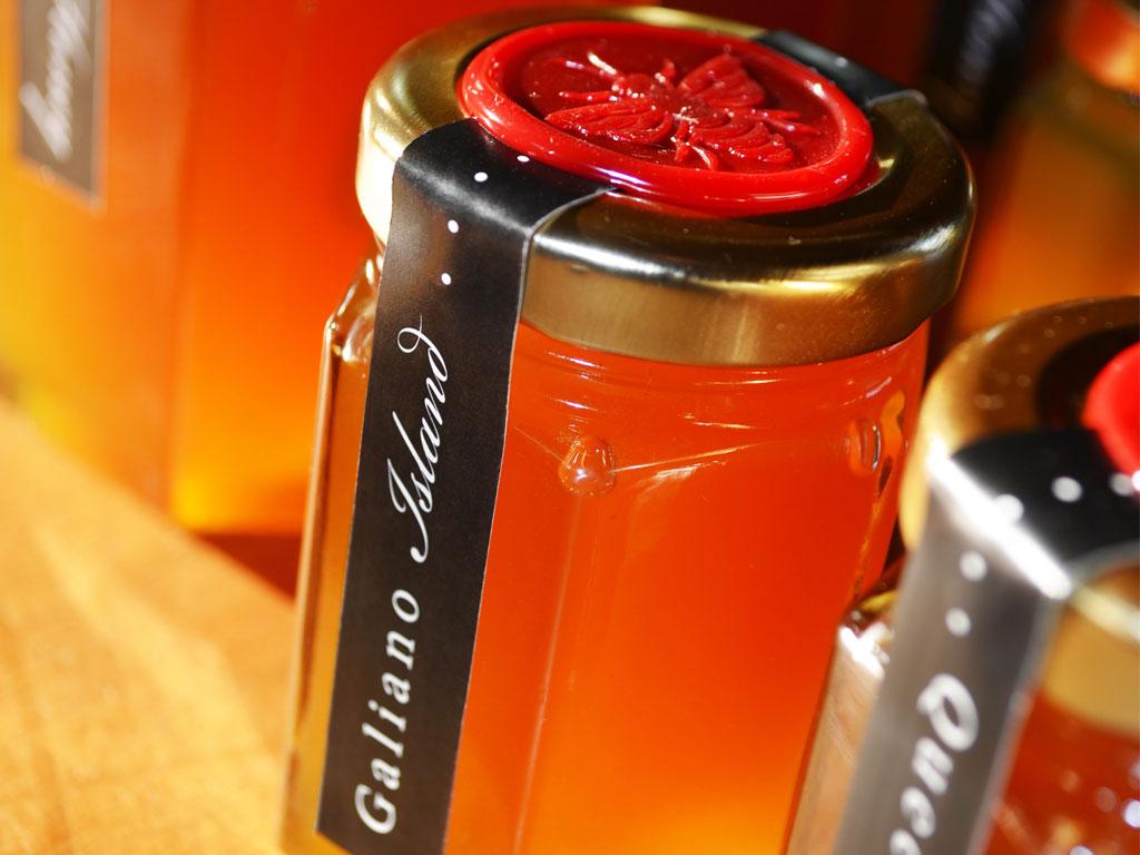 Queen B Honey jars